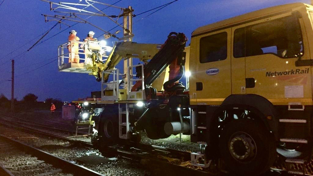 Passengers invited to check before traveling after delays on the main west coast line