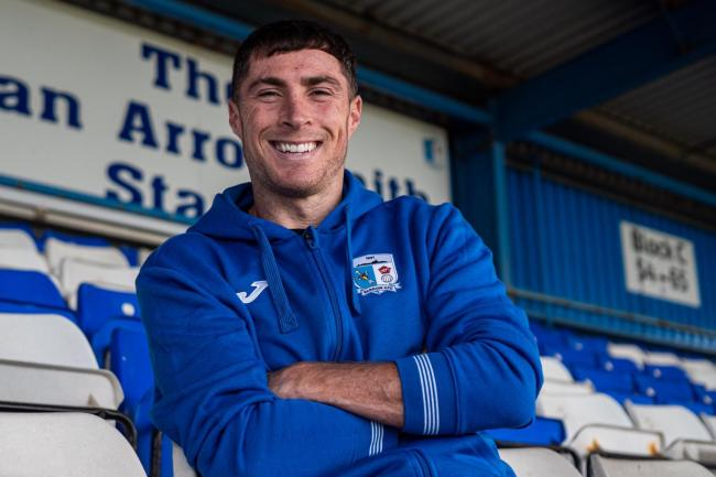 SIGN: Barrow signed Mike Jones
