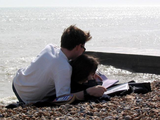 Library filer dated 11/05/2003 of a couple relaxing on the beach. Married women are more likely to have sexual problems than either single women or men, a survey showed Thursday September 29, 2005. Researchers questioned more than 11,000 British men and w
