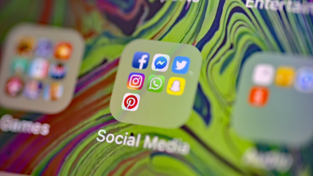 Facebook Messenger And Instagram Down Across The Uk News And Star