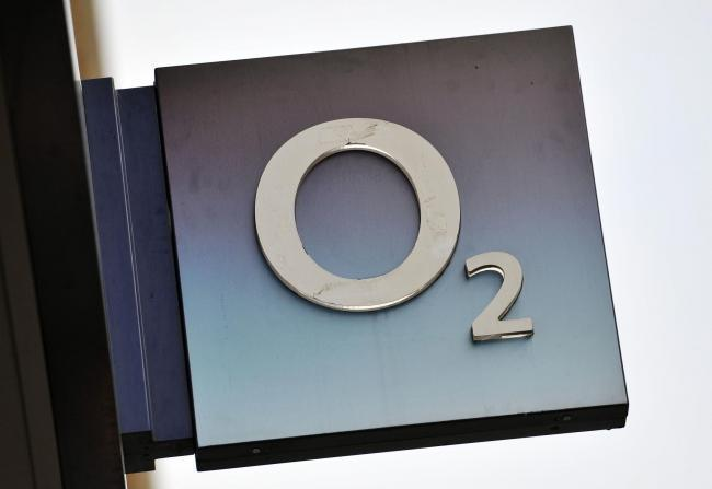Mobile Network 02 has been fined for overcharging customers
