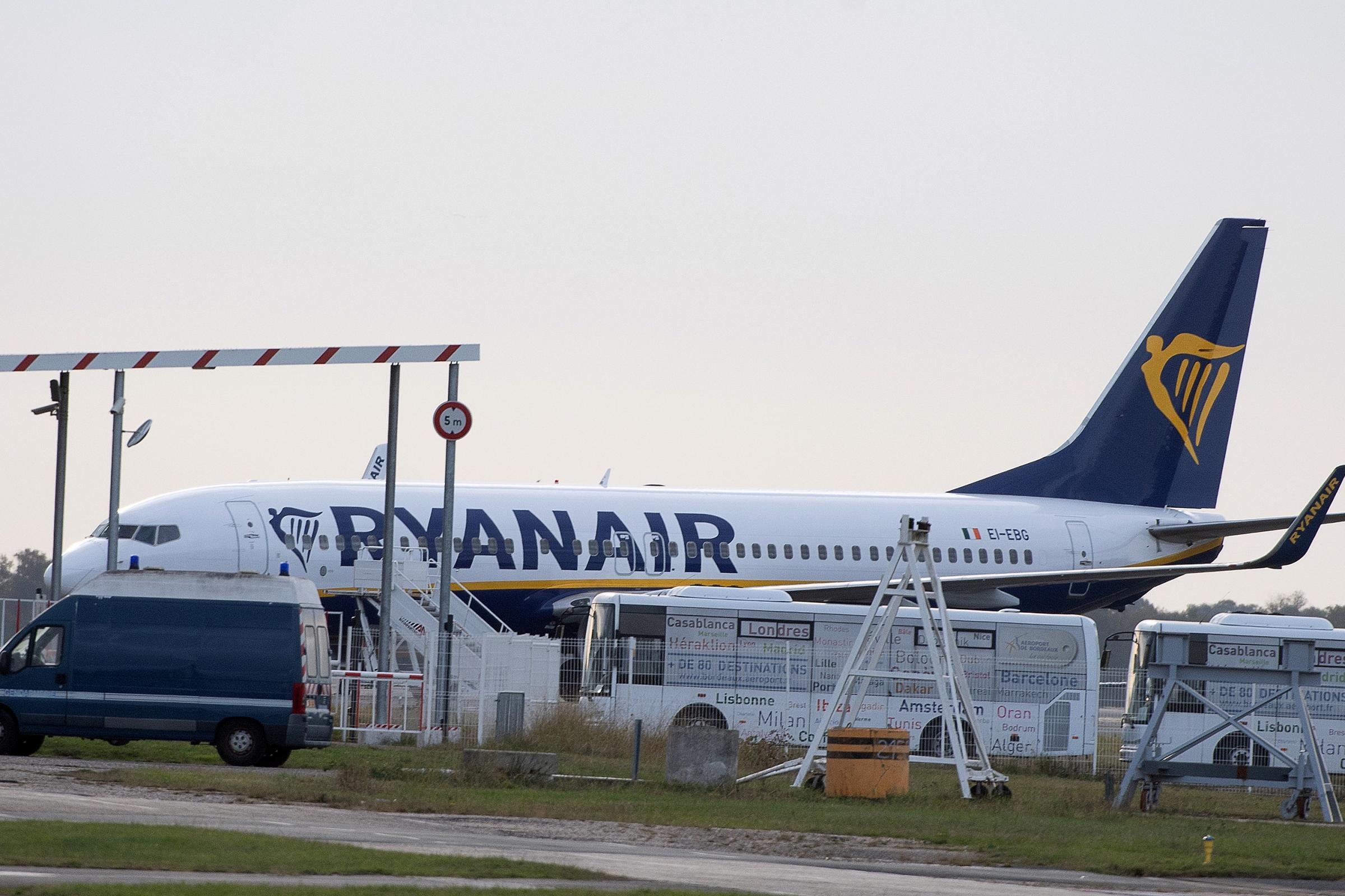 The Ryanair plane on the tarmac at Bordeaux-Merignac airport